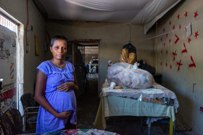Embarazada en espera de resolción migratoria en Tijuana